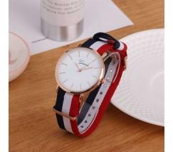 Яркие женские наручные часы Geneva