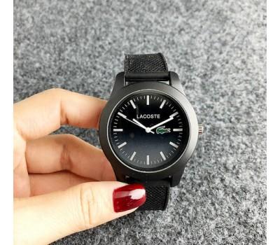Женские наручные часы Lacoste черные