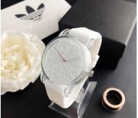 Модний жіночий годинник Adidas білий