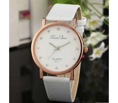 Белые женские часы Geneva со стразами