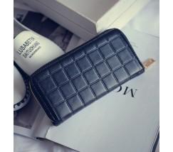 Жіночий гаманець клатч в клітинку чорний