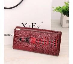 Жіночий гаманець портмоне Крокодил червоний