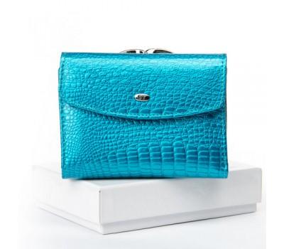 Женский кожаный лакированный кошелек голубой