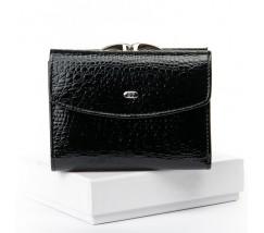 Женский кожаный лакированный кошелек черный