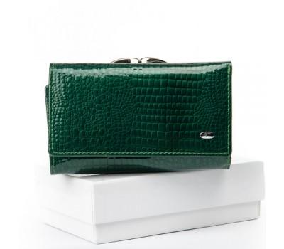 Женский лакированный кошелек кожаный зеленый