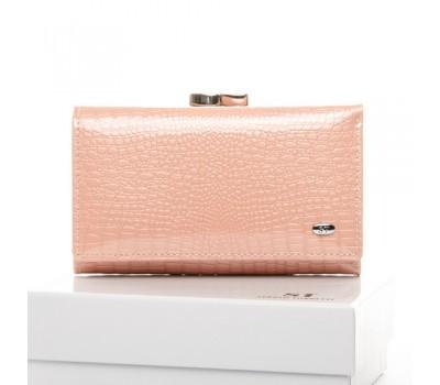 Женский лакированный кошелек кожаный розовый
