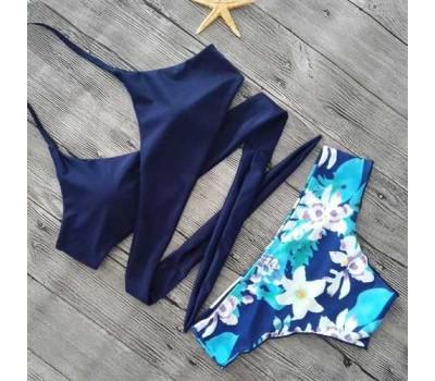 Купальник женский раздельный синий на завязках и трусами в цветочный принт