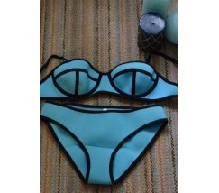 Модный женский купальник голубой
