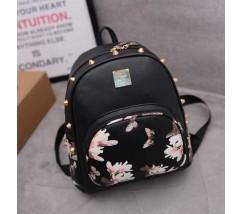 Жіночий рюкзак чорний з шипами і квітковим малюнком