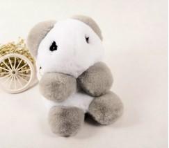 Детский пушистый рюкзак Медведь бело-серый