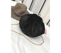 Чорна хутряна сумочка з вушками