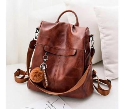 Женский рюкзак сумка с брелком коричневый