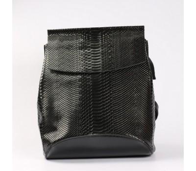 Кожаный рюкзак-сумка под змеиную кожу черный