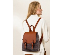 Стильний рюкзак в клітинку коричневий