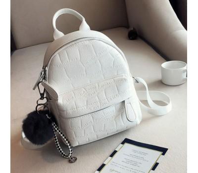 Маленький женский рюкзак с пушистым брелком белый