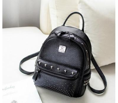 Женский рюкзак с заклепками черный