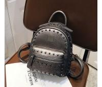 Рюкзак женский с заклепками темно-серебристый