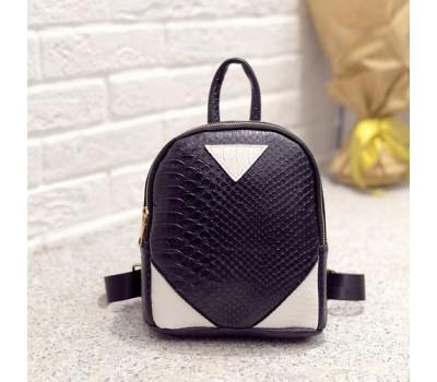 Маленький рюкзак под кожу змеи черный