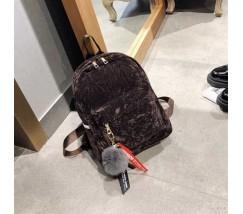 Жіночий рюкзак з хутряним брелоком коричневий