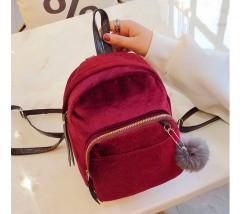 Маленький бархатный рюкзак красный