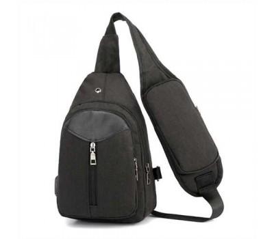 Сумка-рюкзак мужская на одно плечо черного цвета с USB кабелем