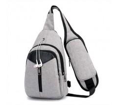Сумка-рюкзак чоловіча на одне плече сірого кольору з USB кабелем