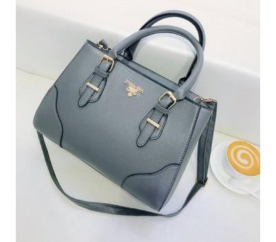 Вместительная женская сумка серая