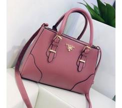 Вместительная женская сумка розовая