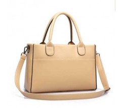 Жіноча сумка класична містка бежева