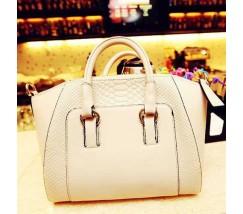 Класична жіноча сумка біла