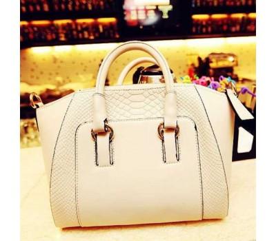 Классическая женская сумка белая