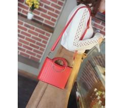 Елегантна жіноча сумка з круглими ручками червона