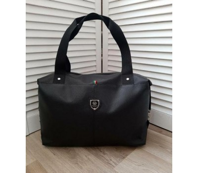 Вместительная спортивная сумка кожзам черная