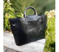 Большая черная сумка с принтом рептилии