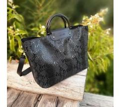 Большая черная сумка с принтом змеи