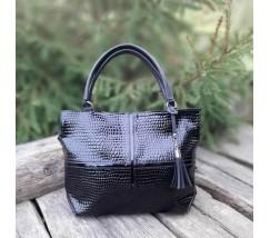 Женская большая сумка черная с принтом рептилии