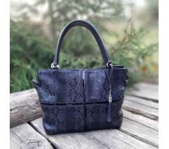 Женская большая сумка черная с принтом змеи
