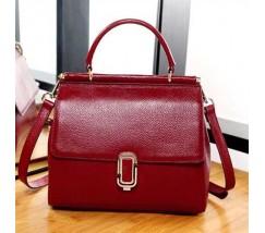 Женская кожаная сумка красная среднего размера