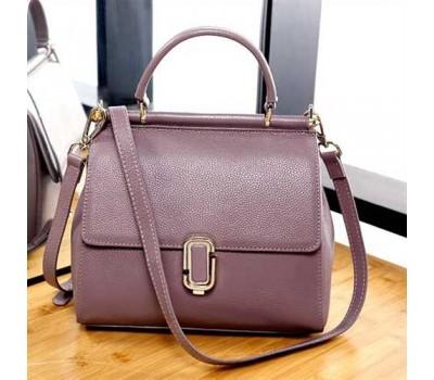 Женская кожаная сумка  фиолетовая среднего размера