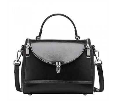 Каркасная женская сумка черная из натуральной кожи
