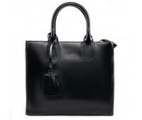 Вместительная кожаная женская сумка черная