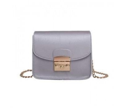 Женская мини сумочка на цепочке серебристая