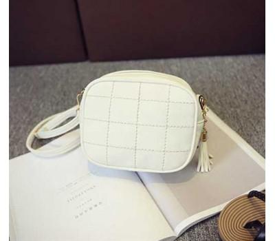 Женская маленькая сумочка из экокожи белая