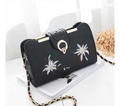 Женская сумочка клатч с вышивкой черная