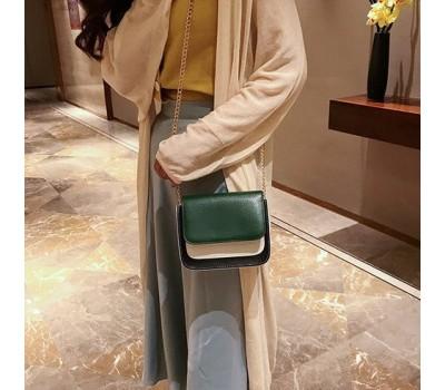 Двухцветная сумка на цепочке зеленая