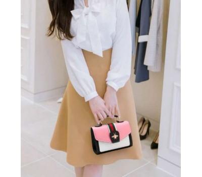 Модная женская сумка с застежкой шмеля розовая