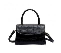 Женская сумка со змеиным принтом черная