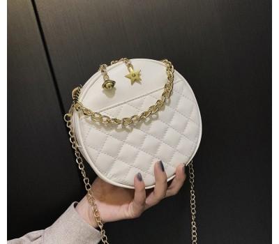 Круглая женская сумочка на цепочке белая