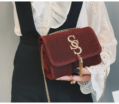 Блестящая женская сумка красная