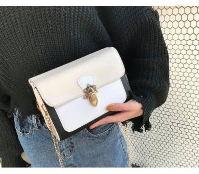 Красивая женская сумка бело-бежевая